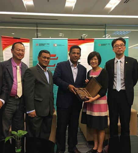 MOU exchange ceremony with The Centre of Industry Accelerator and Patent Strategy (IAPS) of the National Chiao Tung University, Taiwan