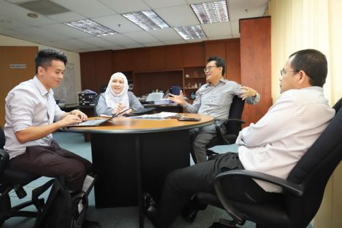 Interview Dr Zahirin by Focus Malaysia